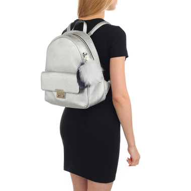 Женский рюкзак с брелоком Guess