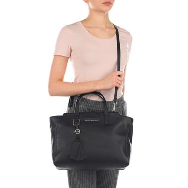 Черная женская сумка из натуральной кожи Piquadro