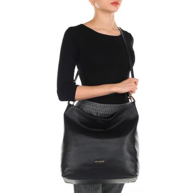 Вместительная кожаная сумка с плечевым ремешком Coccinelle