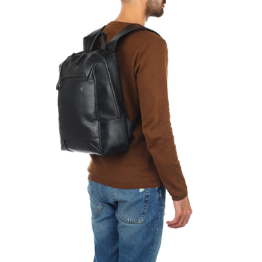 Мужской деловой рюкзак из черной кожи Piquadro