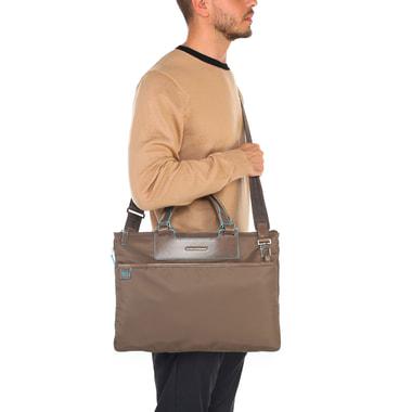 Вместительная мужская деловая сумка с комбинацией текстиля и натуральной кожи Piquadro
