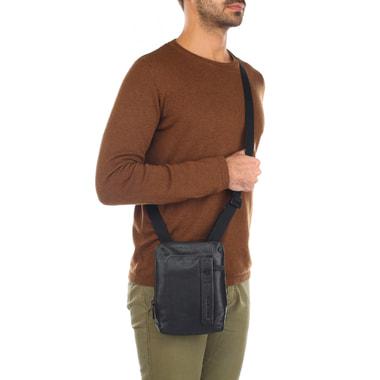 Мужская кожаная сумка через плечо Piquadro
