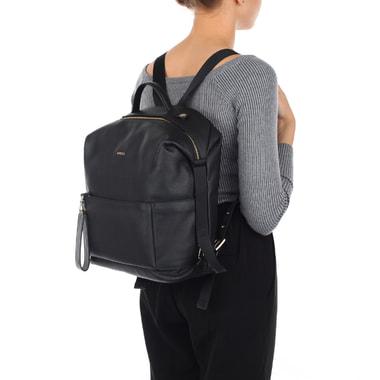 Аккуратный женский рюкзак черного цвета Furla