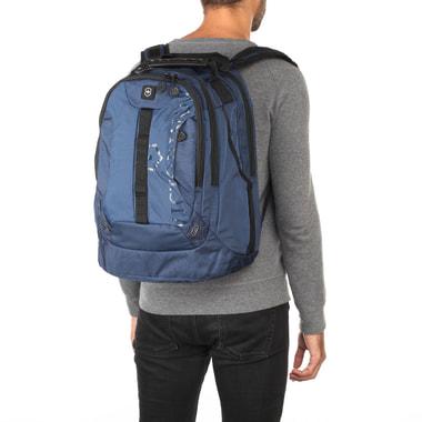 Вместительный тканевый рюкзак Victorinox