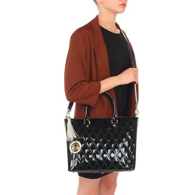 Женская черная сумка из лаковой стеганой кожи Valentino Orlandi
