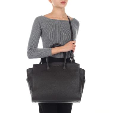 Вместительная кожаная сумка с короткими ручками Coccinelle