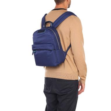 Синий рюкзак с комбинацией текстиля и натуральной кожи Piquadro