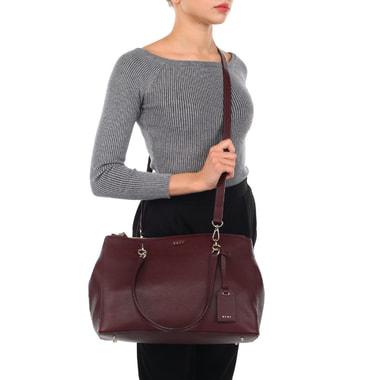Женская кожаная сумка с тремя отделами DKNY