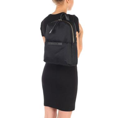 Вместительный женский рюкзак с комбинацией текстиля и натуральной кожи Piquadro