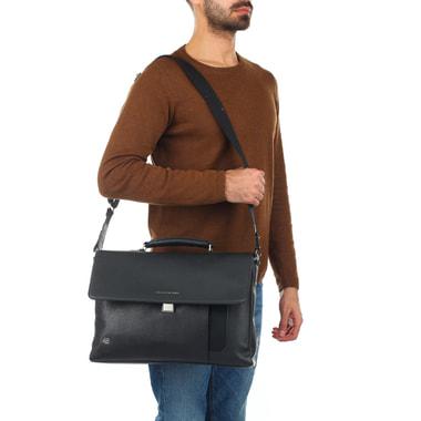 Мужской портфель из черной кожи Piquadro