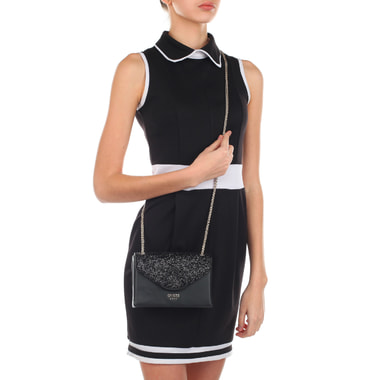 Женская черная сумочка с плечевой цепочкой Guess