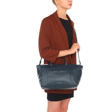 Женская кожаная сумка-трапеция с плечевым ремешком Coccinelle